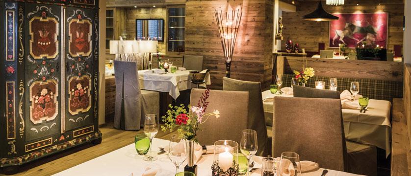 Hotel Rieser, Pertisau, Lake Achensee, Austria - Dining room.jpg